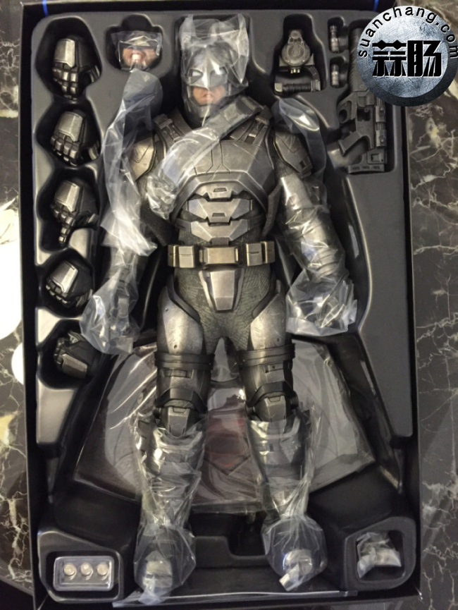 评测分享——HT《蝙蝠侠大战超人》-重甲版 蝙蝠侠 模玩 第10张