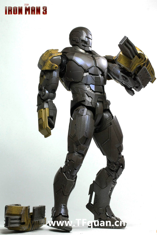 Hottoys 《钢铁侠3》  钢铁侠MK25   突袭者 Striker MK25 钢铁侠3 hottoys 变形金刚  第14张
