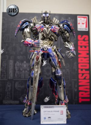 Comicave新品:1/22比例 超合金变形金刚 - 擎天柱 Optimus Prime