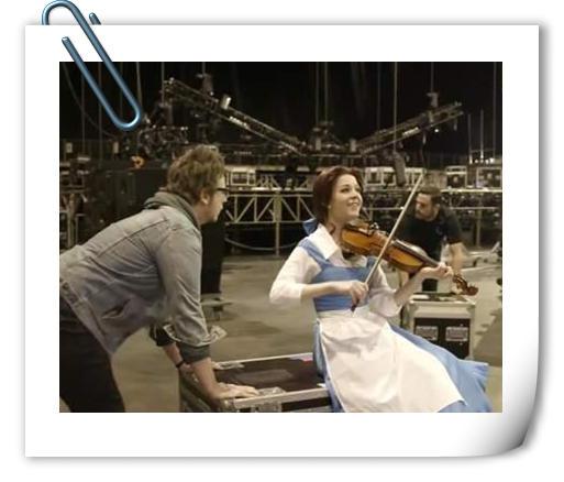 有才有颜值的Coser 外国小提琴手Cos贝儿引热议