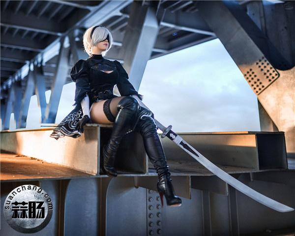 《尼尔:机械纪元》2b小姐姐神级cos突破次元壁! Cosplay 第1张