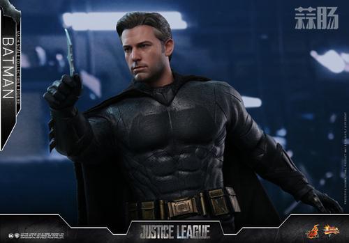 《正义联盟》蝙蝠侠1:6比例珍藏人偶 模玩 第5张