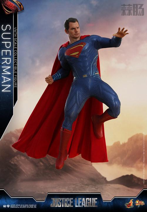 《正义联盟》超人1:6比例珍藏人偶 模玩 第3张