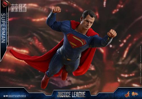 《正义联盟》超人1:6比例珍藏人偶 模玩 第6张
