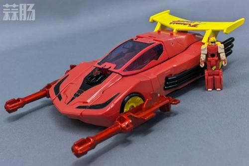 变形金刚x《街头霸王》特别版玩具实物图流出 变形金刚 第2张