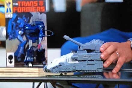 加拿大亚马逊公布孩之宝变形金刚泰坦级玩具 或是大力金刚?