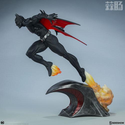 Sideshow 发布未来蝙蝠侠泰瑞·麦金纳斯雕像 模玩 第2张