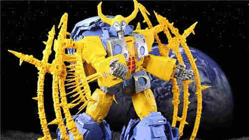 孩之宝公开史上最大变形金刚玩具宇宙大帝新海报