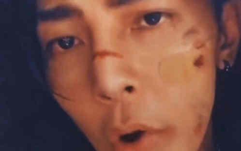 汪东城COS易烊千玺主演电影《少年的你》中小北造型 这个COS你打几分?