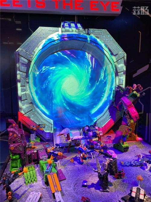 孩之宝公开Earthrise地出T级萨克巨人包装图 变形金刚 第6张