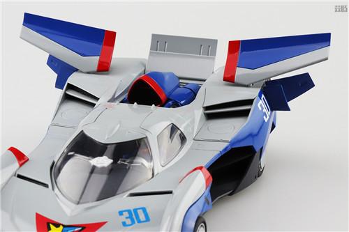 青岛社推出《高智能方程式赛车》1/24阿斯拉达GSX气流模式 模玩 第3张