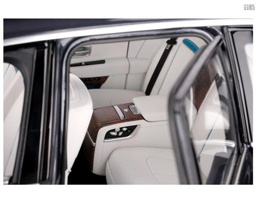 劳斯莱斯推出1/8库里南车模 售价堪比普通真车 汽车模型 第4张