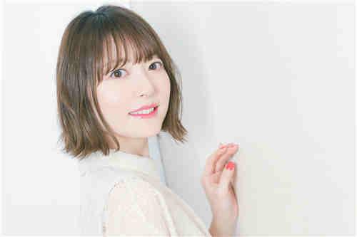声优花泽香菜宣布与小野贤章结婚