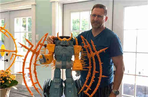 孩之宝更新了Cybertron宇宙大帝开发日志 变形要50分钟以上