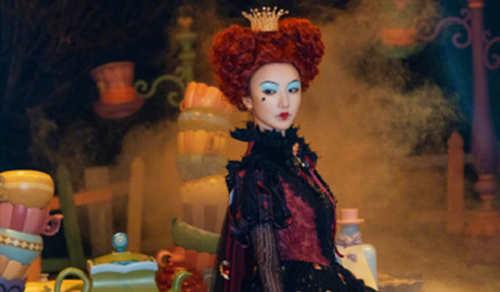毛晓彤COS《爱丽丝梦游仙境》红皇后 这个妆容你打几分?
